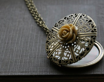 Flower locket necklace , round locket necklace, filigree locket  gold, locket round, gift for her, jewelry gift idea, gift for wife - Mia
