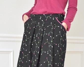Black Linen Embroidered Mini Flowers Pleated Pockets Knee Skirt  S M L