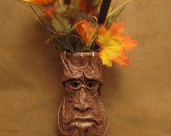 "Grichels large flower vase - ""Cardis"" 27193 - scaly brown and cream leather with red and gold slit pupil shark eyes"