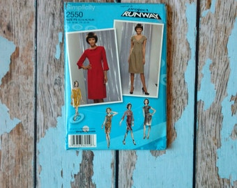 Simplicity Sewing Pattern - Simplicity 2550 - S2550 - Project Runway Dress - Dress with Variations - Long Sleeve Dress - Medium