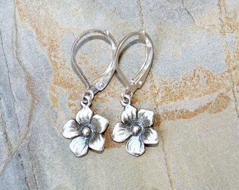 Small Silver Flower Earrings, Silver Earrings, Simple Earrings, Spring Earrings, Modern Earrings, Handmade Earrings, Flower Jewelry