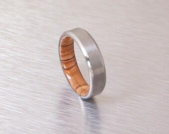 Titanium RIng Man Ring Titanium and Olive Rings // Mens Wood Rings //wood Wedding Band //Men's  wedding Band // beveled edge