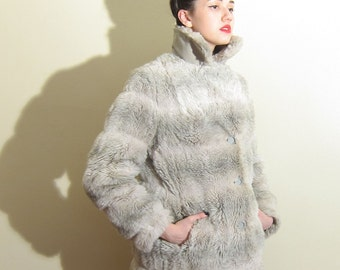 Vintage 1970s Faux Fur Jacket / 70s Grey and Ivory Jacket in Faux Rabbit / Medium