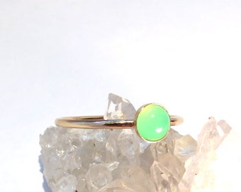 Chrysoprase Ring, Gold Chrysoprase Ring, Chrysoprase stacking ring, Green Chrysoprase ring, Gold rings, gold stacking rings, gemstone rings