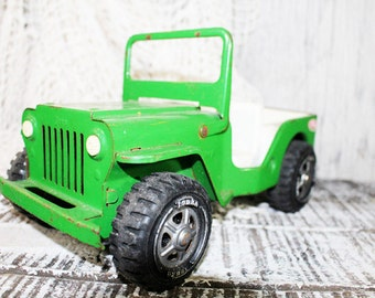 Green Tonka Jeep with drop down windshield, Metal Tonka Car, Pressed Metal, Jeep Run about