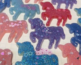 5x 40mm Magic Glitter Unicorn Resin Cabochons in Shiny Pastel colours