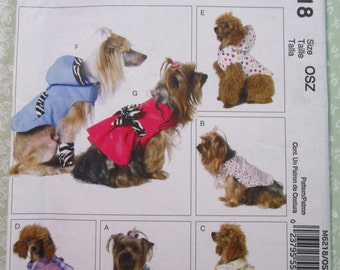 Dog Clothes in sizes S M L, Leg Warmers, Coat, Scarf, Sweat Jacket & Bows McCalls Pattern M6218 UNCUT