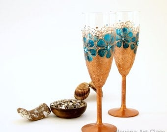 Wedding Glasses, Champagne Flutes,  Hand Painted Wedding Toasting Set of 2