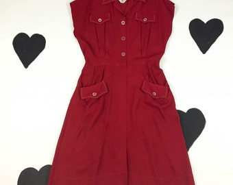 1940's western rodeo day dress 40's red short sleeve shirtwaist button up day dress / American Playgirl / contrast stitching / collared / XL
