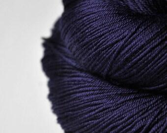 Königin der Nacht  - Merino/Silk Fingering Yarn Superwash