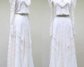 Vintage 1980s Wedding Gown / 80s Custom Ivory Lace Victorian-style Maxi Dress / Small