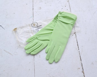 1960s Heiress Pale Lime Ruched Gloves