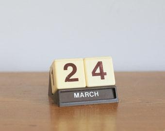 Retro Ole Jorgensen perpetual desk calendar square block Danish