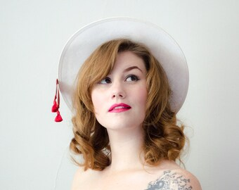 1960s vintage hat / red and white straw boater