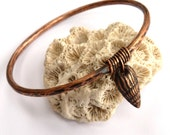 Copper bracelet ~bangle with shell charm hammered  textured rustic stacking bangles 7th wedding anniversary gift  for Mom Mum Mother