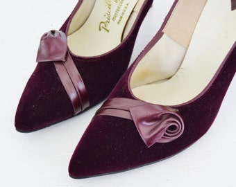 Vintage 1960s Plum Velvet Heels with Faux Leather Accents Size 6.5 M