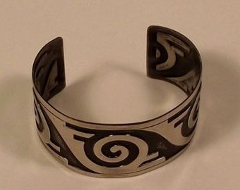 Bell Trading Post Cuff Bracelet Southwestern Signed with Abstract Stamped Pattern and Oxidized Background