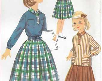 """Size 10-FACTORY FOLDED 1958 Girls' Blouse and Skirt Simplicity 2205 Breast 28"""""""