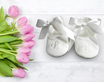 Personalized Baptism Baby Shoes- Baby Boy Baptism Shoes- Monogrammed Baby Booties- Baby Shoe Christening- Baby Keepsake Gift- Newborn Gift