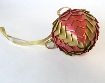 Ribbon Pinecone Ornament in Pink and Gold