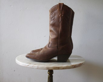 Cowboy Boots - 6 6.5 Women's - Brown Leather Chocolate - 1970s Vintage