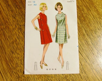 """MOD 1960s Sheath Dress w/ Funnel Collar - High Fashion Spacey Style - Size 12 (Bust 32"""") - VINTAGE Sewing Pattern Butterick 4266"""