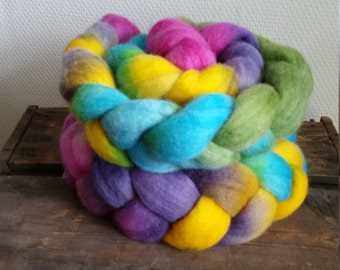 Flower: Handpainted BFL Top (Roving) 100 gram / 3.5 oz Spinning and Felting Fiber by Star Fiber Studio