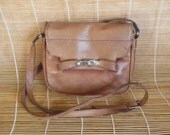 Vintage Lady's Small Size Tan Brown Leather Cross Body Shoulder Bag