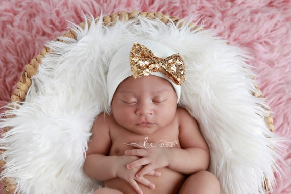 Newborn Hospital Hat, white with gold sequin bow, take home beanie, beenie, infant, baby hat, bebe foto, Lil Miss Sweet Pea Boutique
