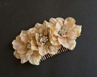 Rustic Wedding Hair Comb, Bridal Flower Comb, Bridal Hair Accessories, Floral Fascinator, Bridal Headpiece, Wedding Hairpiece Champagne Gold