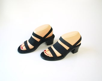 Vintage 90s black minimalist strappy chunky sandals heels size 7