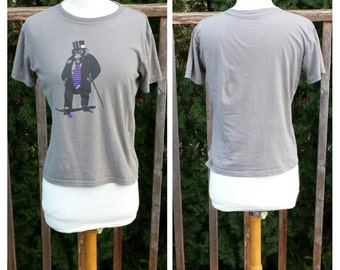 Vintage Clothing, Vintage T-Shirt, Grey Graphic T-Shirt, Monkey Top Hat West Fortynine Brand Vintage Shirt, 100% Cotton Youth Size Large