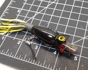 Flash Drive Fisherman Gift Tin Fish Lure **4** GB USB Thumb Drive - Black Flashy Fish Drive