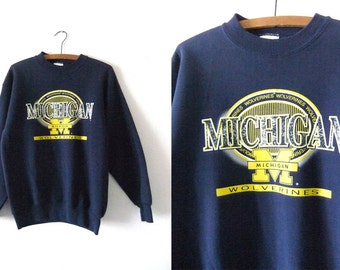 University of Michigan Vintage Sweatshirt - NCAA College Football Michigan Wolverines 90s Throwback Jumper - Mens Medium