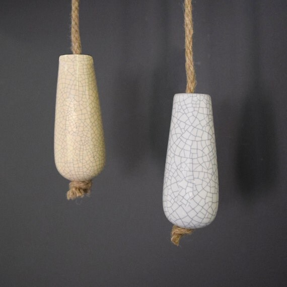 Cream Wall Lights With Pull Cord : Ceramic Porcelain Crackled White & Cream Bathroom Light Pulls