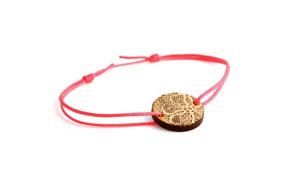 Disc bracelet with lace pattern - 25 colors - wedding bangle - adjustable bracelet - lasercut maple wood - bride jewelry - customizable