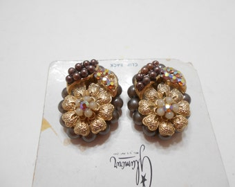 "Vintage ""Glamour"" Clip Back Earrings (4865) (BP) Gorgeous!!"