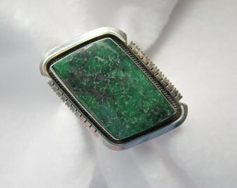 Vintage NAVAJO/Nancy Custer GREEN TURQUOISE and Sterling Silver Ring -- 17.1 Grams, Size 9.5/Adjustable, Gorgeous Color and Setting