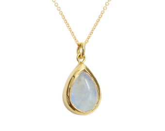 Gold Moonstone Necklace, Rainbow Moonstone Necklace, 14k Gold Moonstone Pendant, June Birthstone, Moonstone Teardrop
