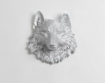 The Frisco - Silver Mini Resin Wolf Head Wall Decoration - Resin White Faux Taxidermy- Chic & Trendy - Kids Room Woodland Decor