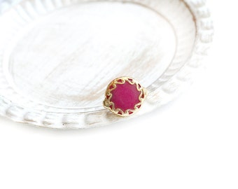 Adjustable Round Fuchsia Jade Stone Gold Plated Ring