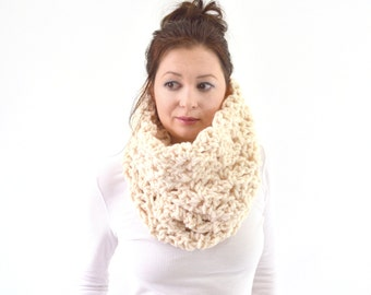 Chunky Lace Cowl Scarf // The Florence// in Fisherman