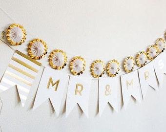 Wedding Banner Mr & Mrs Gold Foil Banner Wedding Reception Banner Wedding Bunting Photo Prop Wedding Photo Background Prop Gold Banner