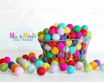 2.5CM Wool Felt Balls - 50 balls - 100% Wool Felt Balls -(2.5cm/25mm)- 2.5CM Multicolored Felt Balls - Mix and Match - Wool Felt Pom Poms