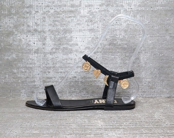 Vtg 90s DKNY Black Leather Charm Bracelet Flat Sandals 7