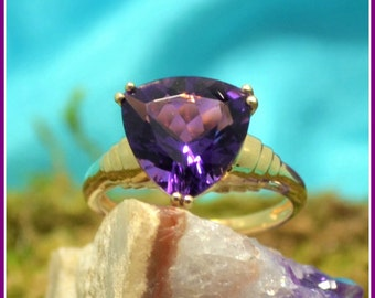Perfectly Purple Synthetic Trillion Cut Amethyst Set in 10K Gold - Size 7.75