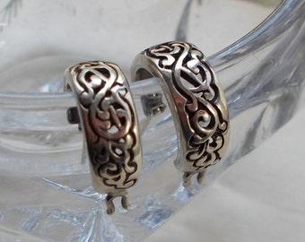 Retro Small Silver Filigree Hoop Earrings  1904