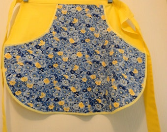 Springy Half Apron, Blue and Yellow Flowered Half Apron, Pocket Apron,Mother's Day Gift, Mother's Day Apron