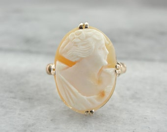 Peaches and Cream: Art Nouveau Cameo Ring 4LD9XK-N