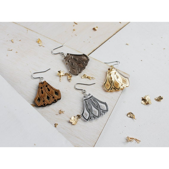 Laser Cut Gold Platinum: Engraved Fan Earrings. Laser Cut Etched Patterned Mirror